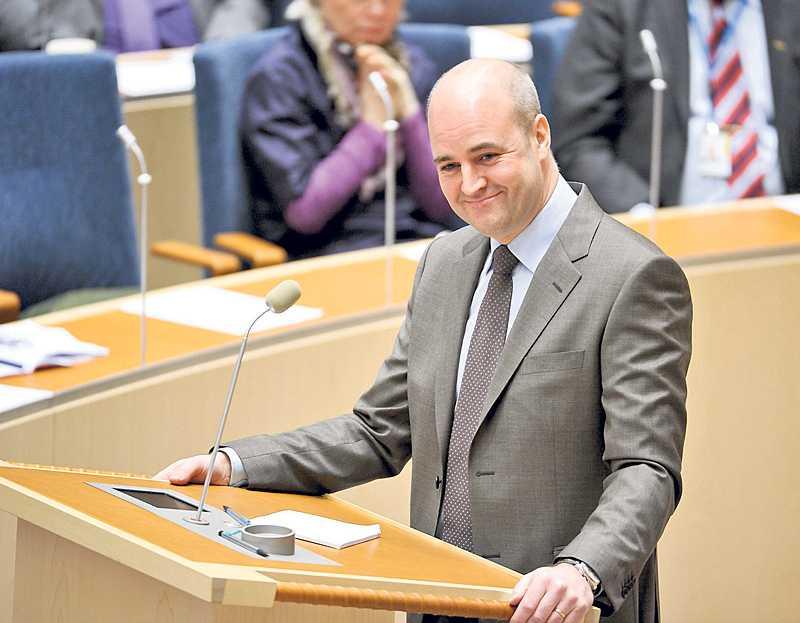 """Nästa lika som bär Nej, det är inte Göran Persson utan statsminister Fredrik Reinfeldt. Men båda är enligt ett grönt språkrör lite dryga, lite självgoda och """"snart kommer jobben""""."""