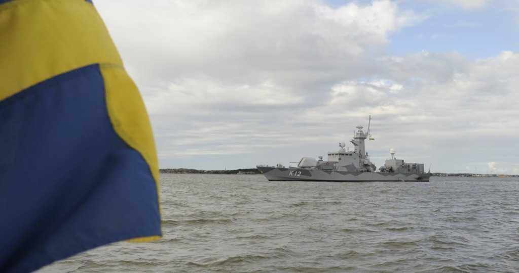 Försvarets korvett HMS Malmö är på plats i Göteborg.