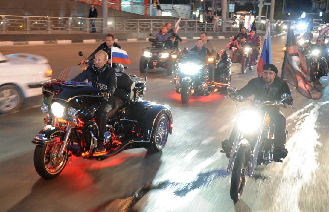 Det ryska mc-gänget Night Wolves fick internationell uppmärksamhet när Rysslands president Vladimir Putin deltog en av deras korteger. Bilden är från 29 augusti, 2011.