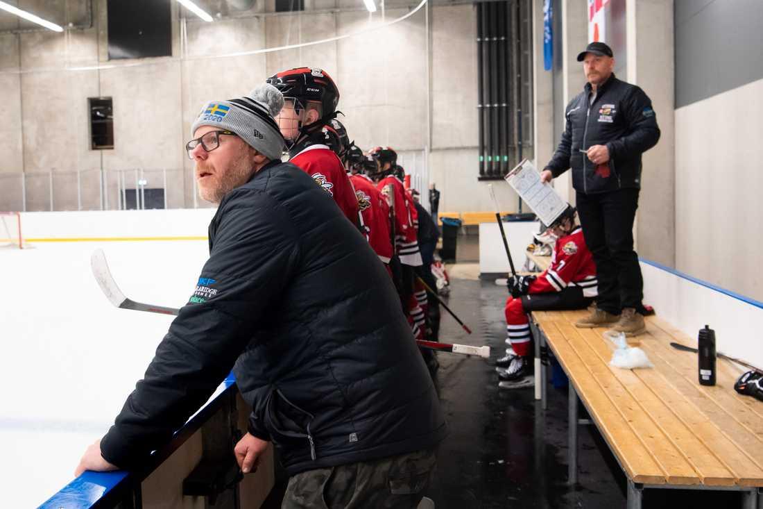 Daniel och Henric Alfredsson är till vardags tränare för Daniels son Loui i Ottawa Sting.