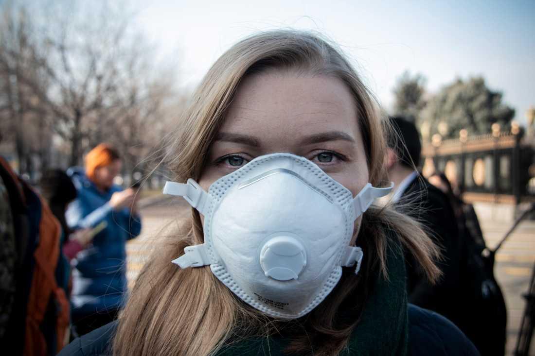 Maria Kolesnikova vid miljöorganisationen MoveGreen är en av de som deltog i en protest mot den dåliga luften i november förra året. Hon har tröttnat på vad hon anser är regeringens handlingsförlamning.