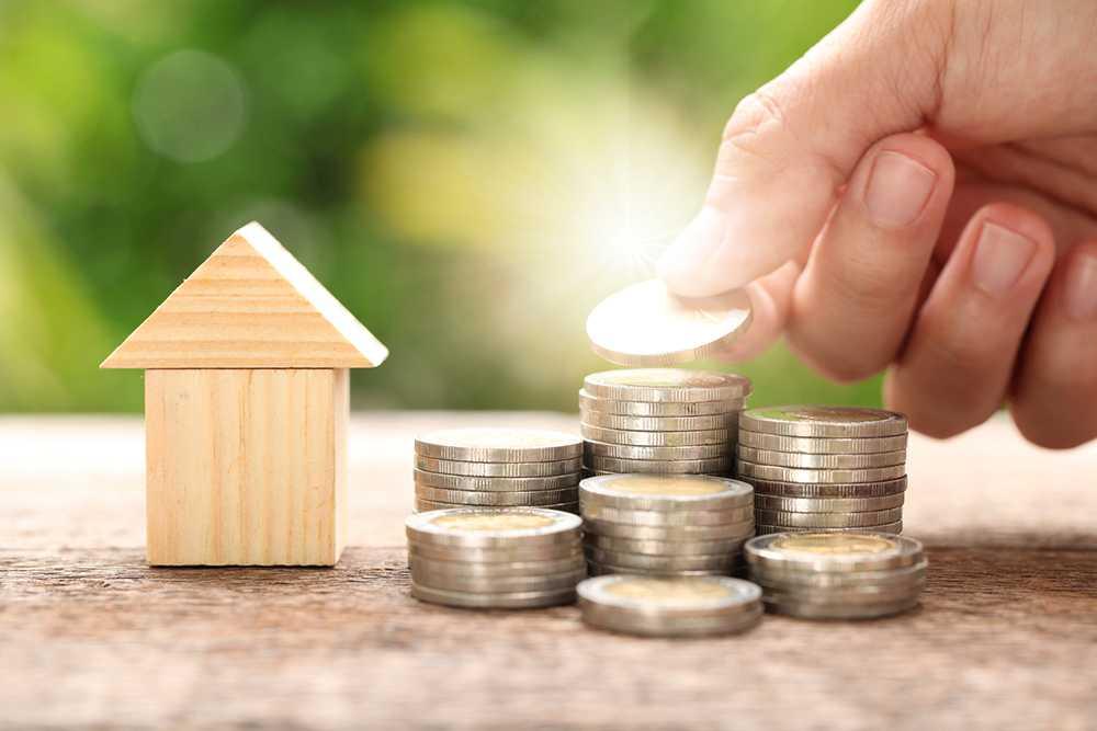 Det kan bli svårare att låna pengar till bostad nästa år.
