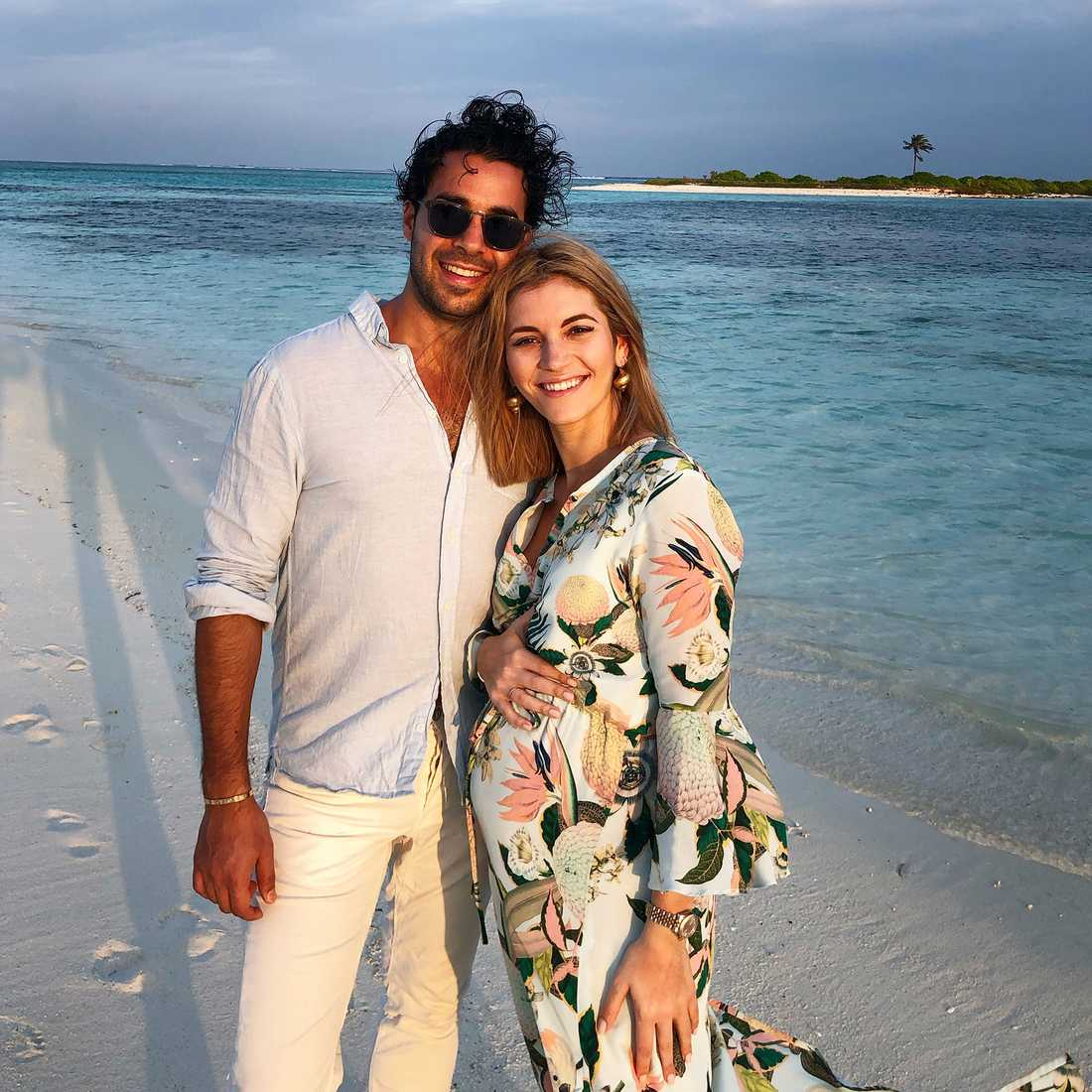 Michaela Forni  med pojkvännen Damon Foroozesh.