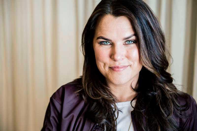 """Mia Skäringer drar ut på turné med föreställningen """"Avig Maria""""."""