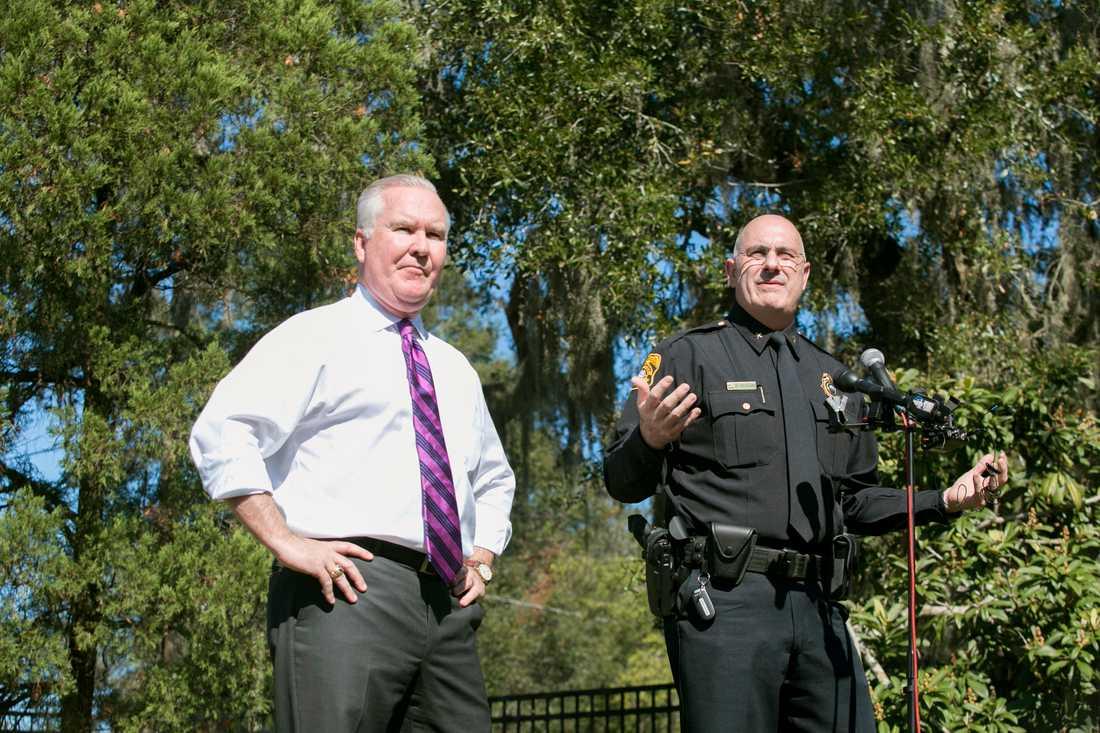 Tampas borgmästare Bob Buckhorn och polischefen Brian Dugan.