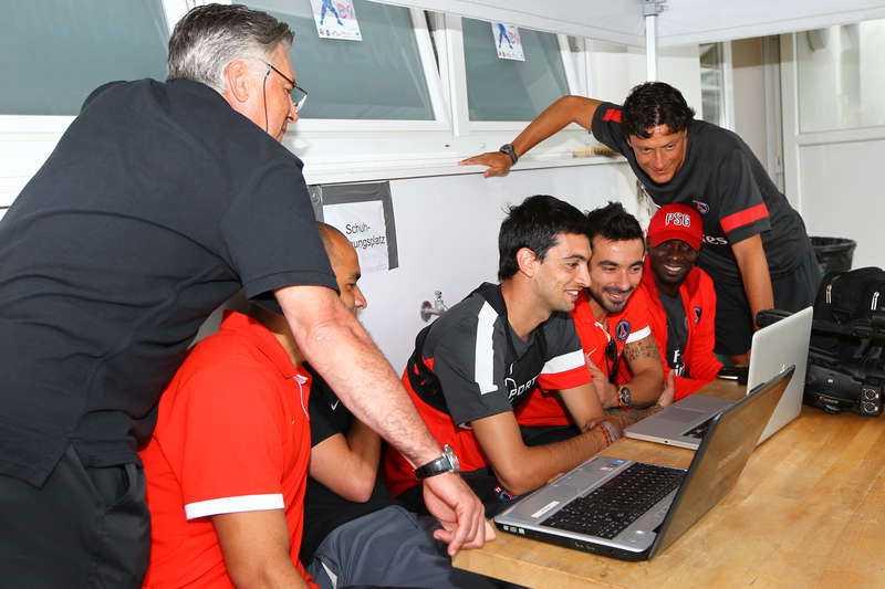 HOPPAS PÅ ZLATAN  Det här kan vara Zlatans blivande lagkamrater och tränare. Carlo Ancelotti. Alex, Javier Pastore och Ezequiel Lavezzi finns på plats i Österrike på lagets träningsläger.
