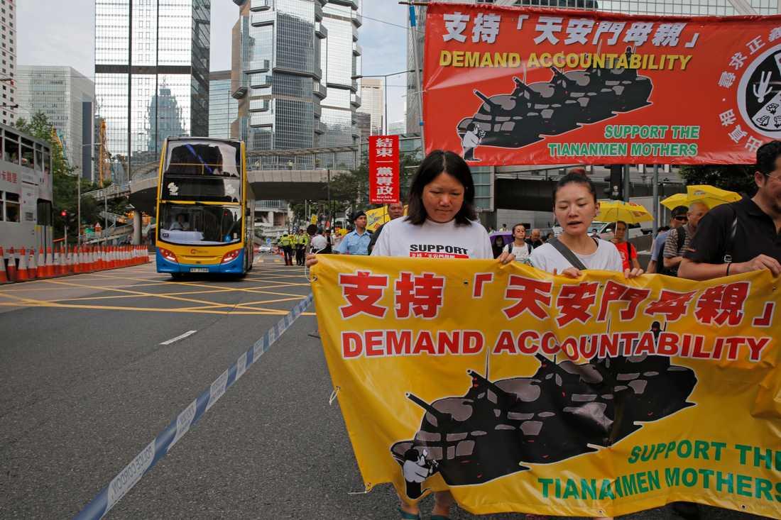 Demokratiförkämpar i Hongkong krävde på söndagen att Kina tar sitt ansvar för massakern på Himmelska fridens torg i juni 1989.