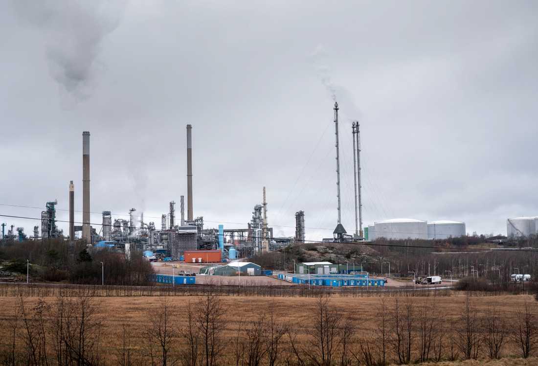 Preemraff i Lysekil är Skandinaviens största raffinaderi. Preem har omkring 600 anställda vid anläggningen.