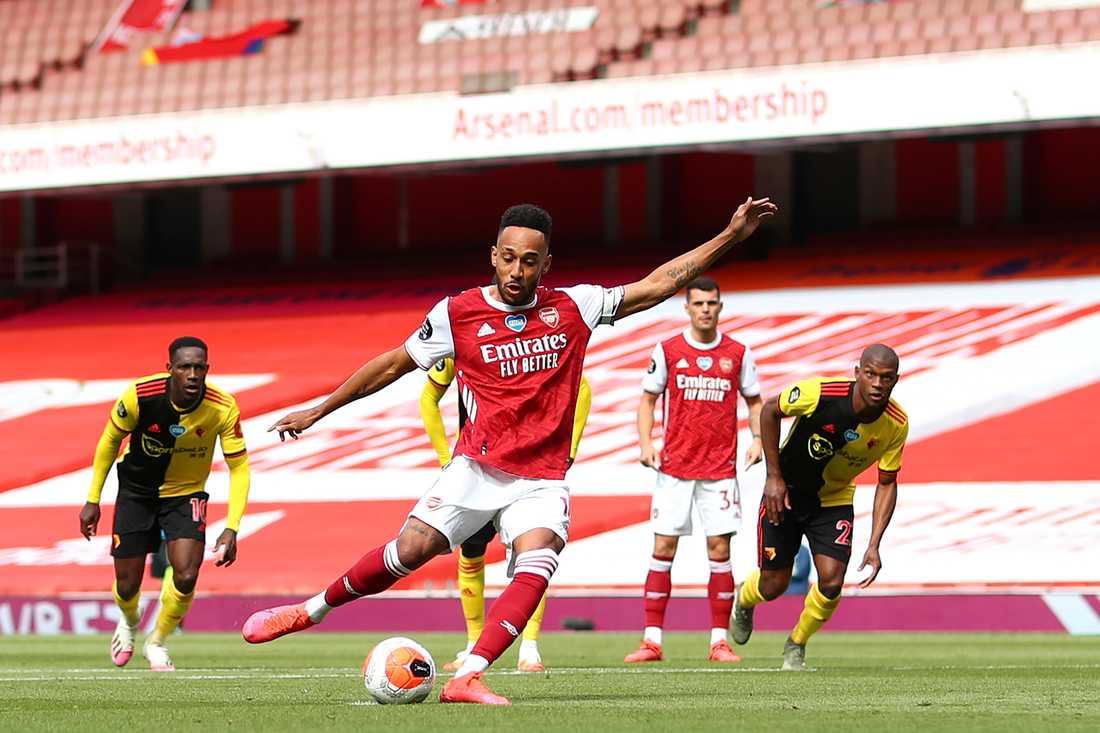 Pierre-Emerick Aubameyang sätter 1–0.
