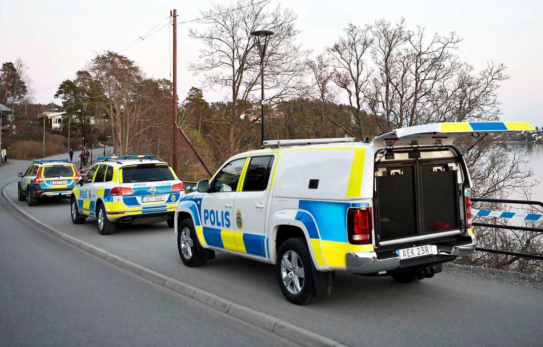 En död person har hittats i Sollentuna.