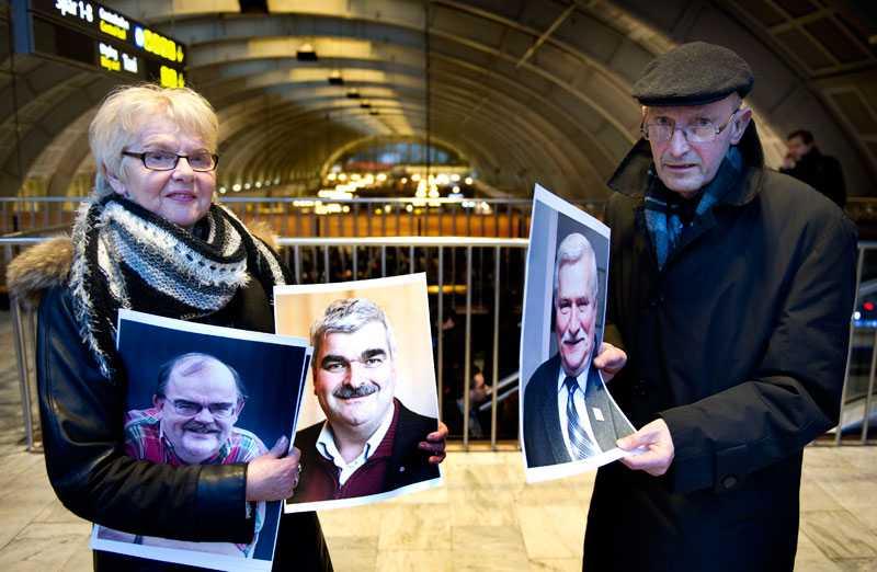 """""""Är det inte han Ibrahim Baylan?"""" undrar Erland Gustafsson, 67, från Växjö. Han och Eivor Johansson, 66, enas om att Håkan Juholt är mest lik Lech Wa?esa."""