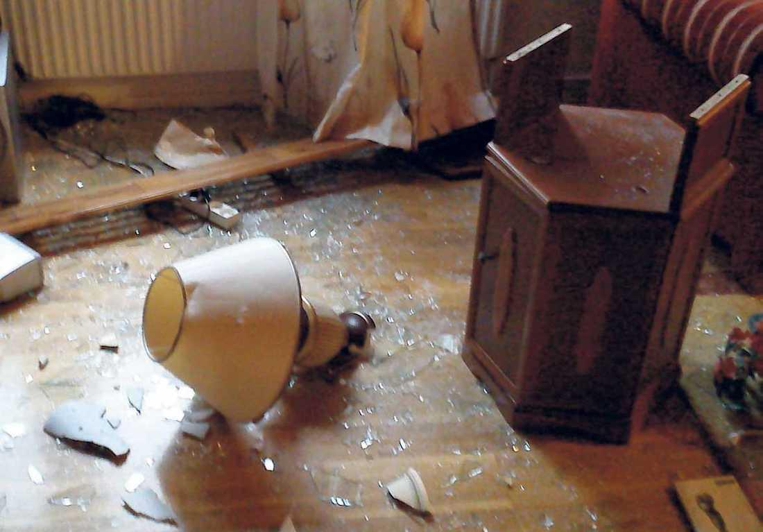 Kriget mot terrorismen har fört svenska myndigheter ut på ett gungfly. Med substanslösa anklagelser demolerar polisen de misstänktas hem – för att sedan förklara dem oskyldiga.