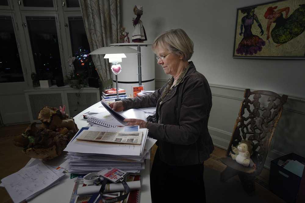 Wanja Lundby-Wedin, före detta LO-bas, på sitt arbetsrum.