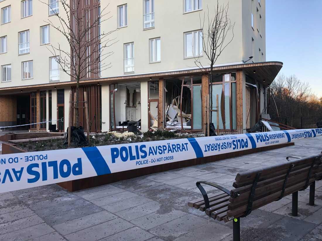 En explosion har inträffat i Bredäng i Stockholm.