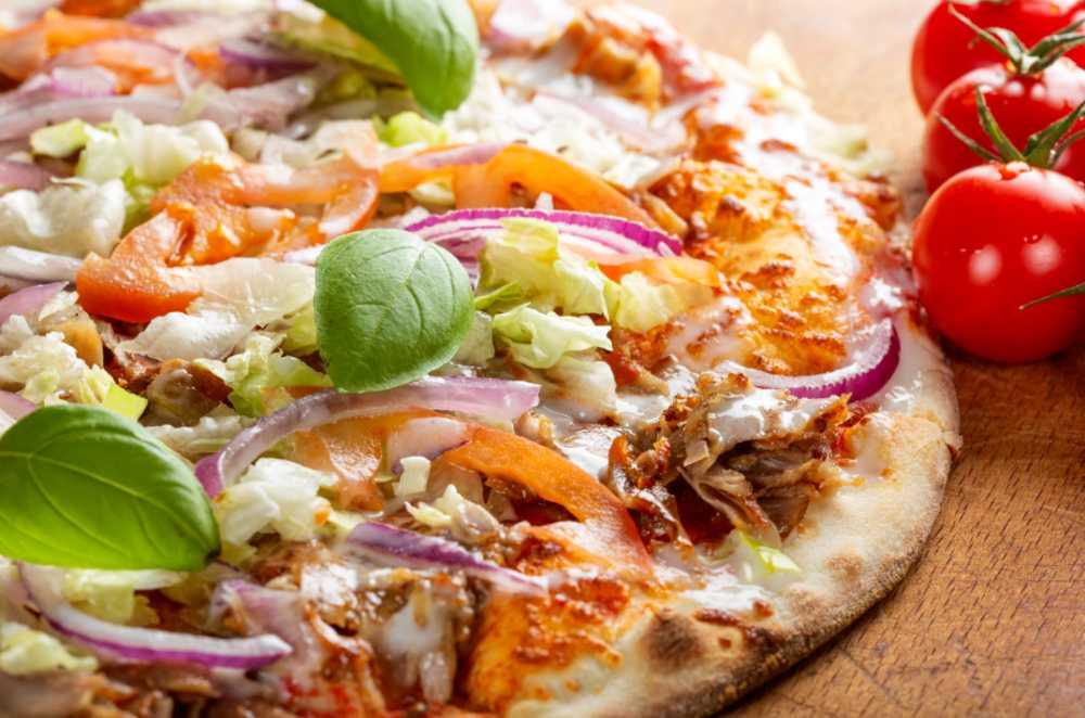 Om du inte är en av dem som köper pizza på nyårsdagen så kan du göra din egen.