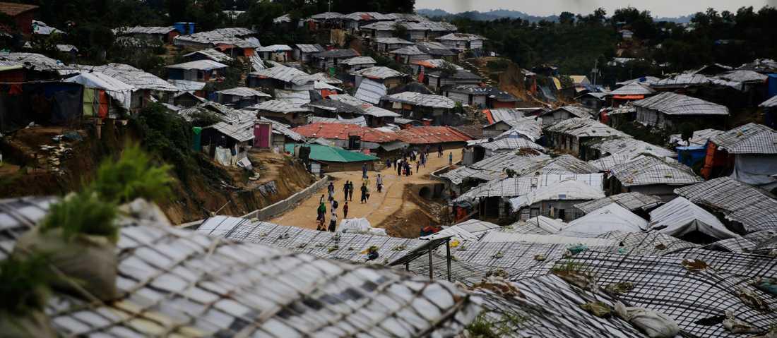 Rhoingya-flyktingar i lägret Balukhali i Bangladesh, dit de tagit sin tillflykt efter den myanmariska militärens hårdföra insats i delstaten Rakhine. Arkivbild.