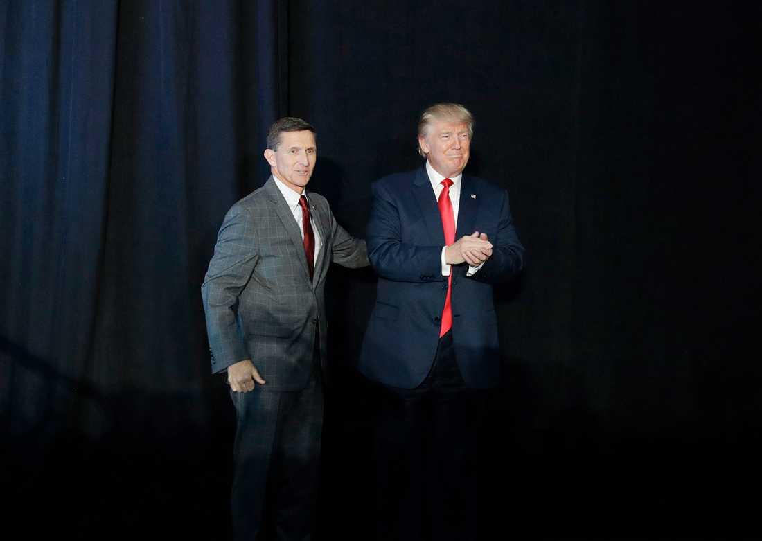 Michael Flynn och Donald Trump. Foto: AP