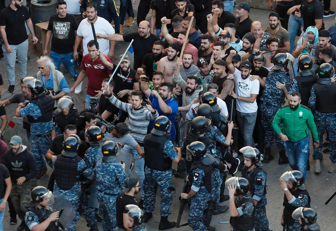 Protester i Beirut 29 oktober.