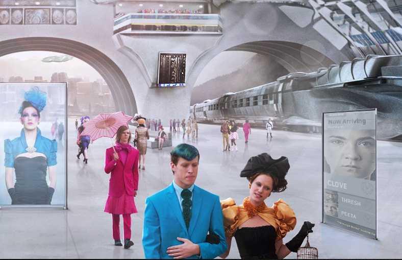 """Scen ur filmen """"Hunger Games"""". Suitopia har stått framförallt för de färgglada kläderna på den välstående befolkningen i Panem."""