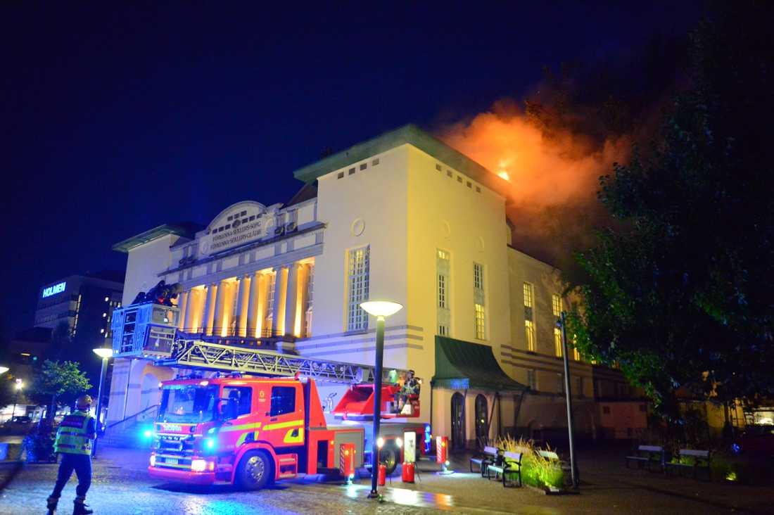Det brinner på Östgötateatern i Norrköping