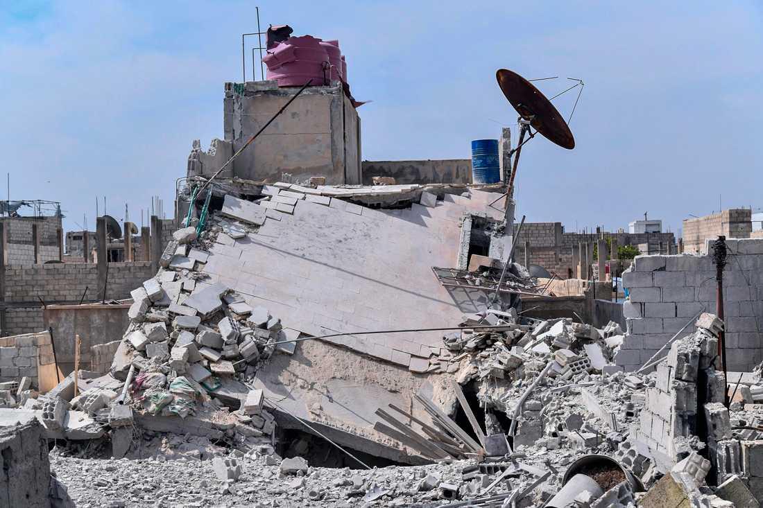 Det statligt kontrollerade syriska nyhetsbolaget Sana uppgav i våras att israeliskt flyg attackerat en förort till Damaskus. Arkivbild.