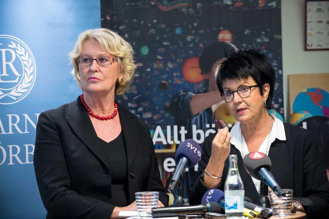 Metta Fjelkner, ordförande för Lärarnas riksförbund, tillsammans med Lärarförbundets ordförande Eva-Lis Sirén under kvällens konferens.