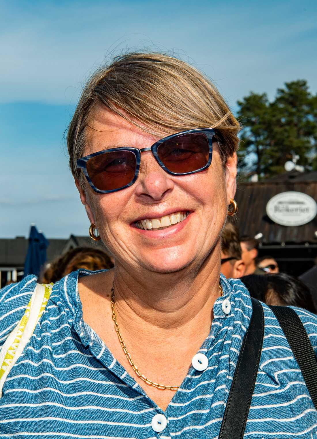 """Johanna Palmquist: """"Jag tycker det är jätteviktigt att man lägger fokus på mat och låter det ta tid. Det är inget man ska stressa med. Själv brukar jag göra mycket inläggningar. Fermentera så att maten håller längre""""."""