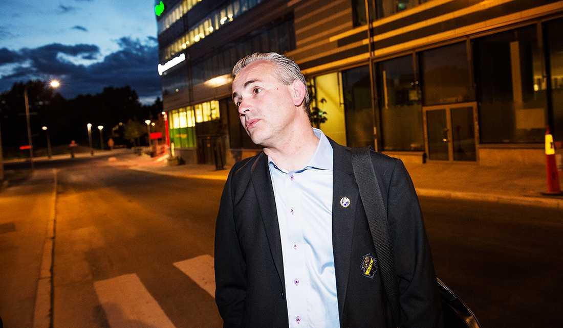 """AIK:s ordförande Johan Segui träffade Sportbladet inatt. """"Det var en bra diskussion"""", säger han om mötet med Daniel Majstorovic."""