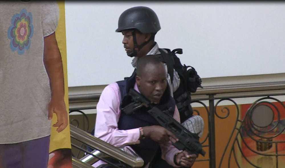 Skottlossning mellan militären och terroristerna fortsatte under söndagen