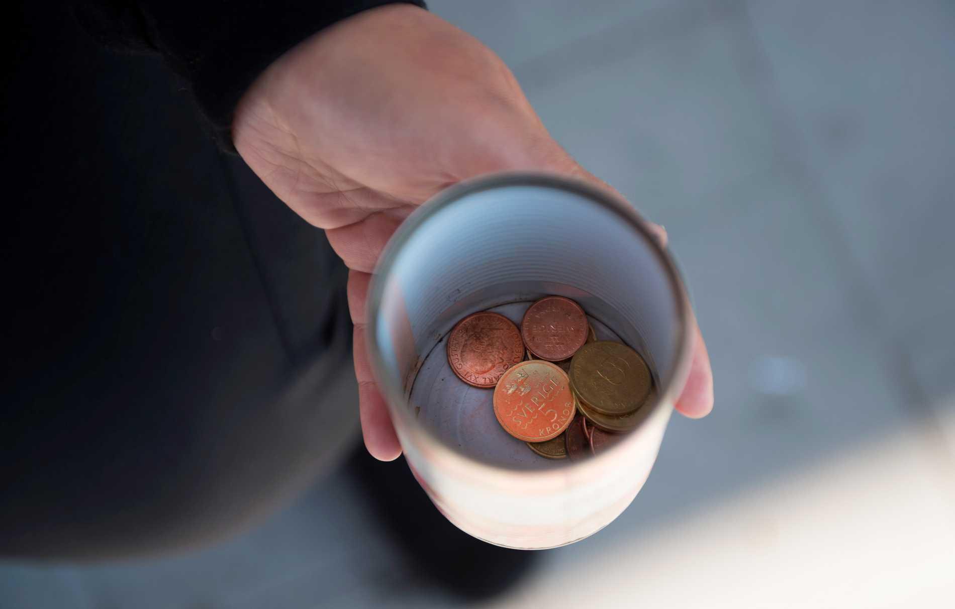 En person som ber om pengar.