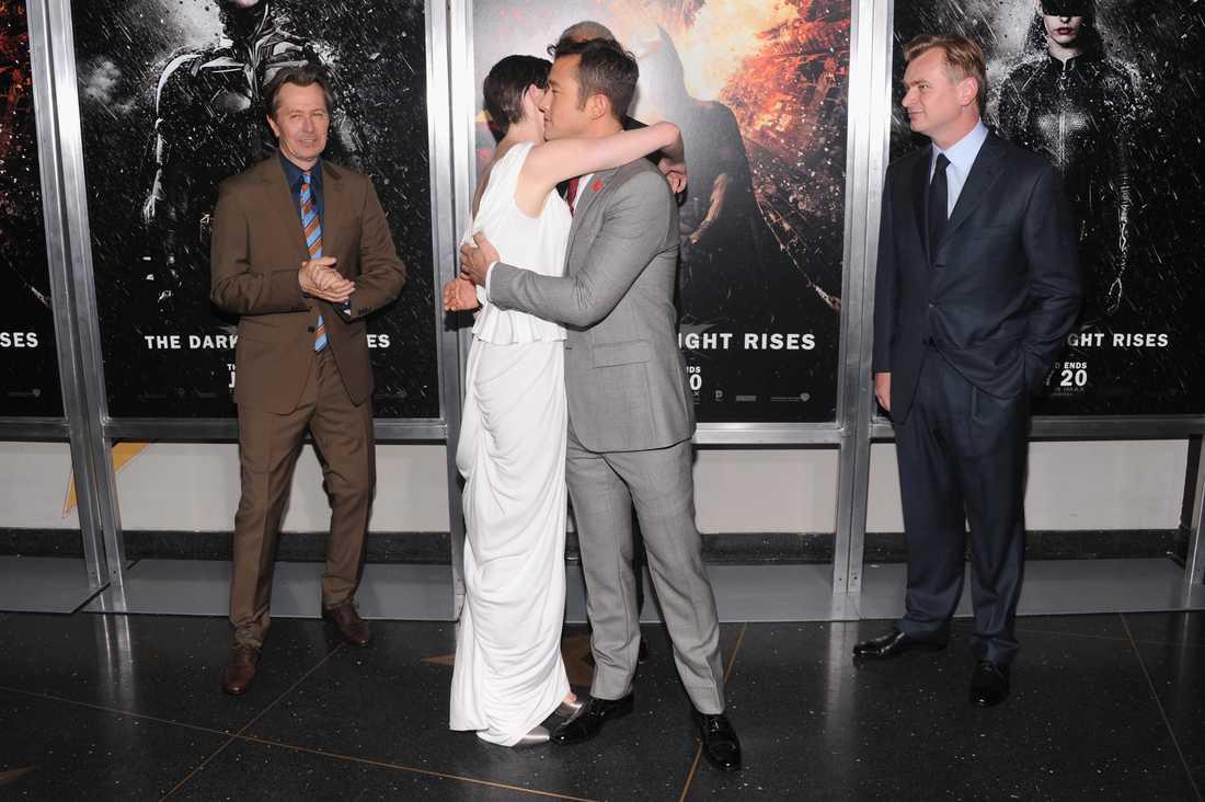 Hathaway kramar om Joseph Gordon-Levitt.