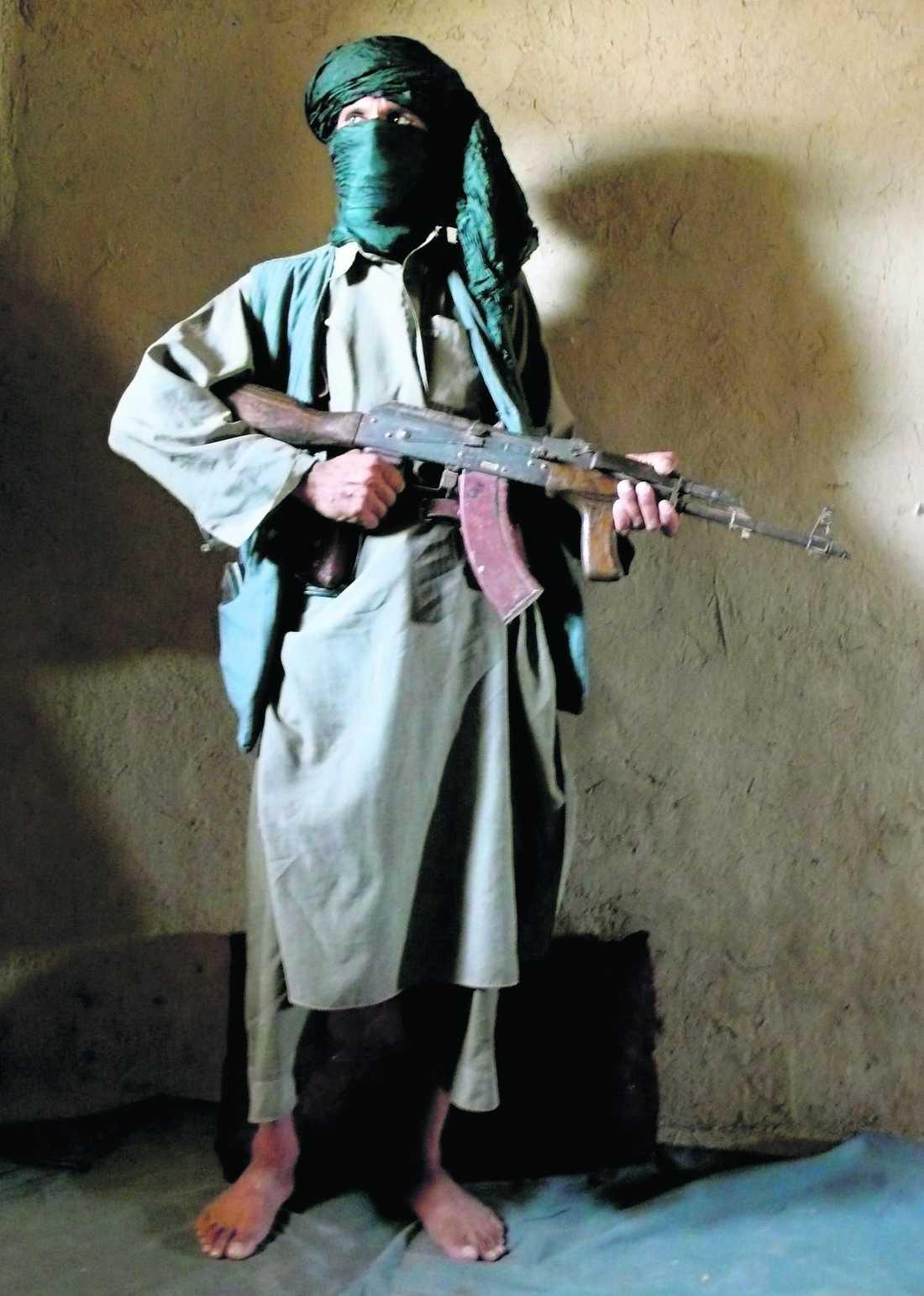 Hatar svenskar Talibanledaren Zamir Gul styr området där Johan Palmlöv och Gunnar Andersson sköts ihjäl. För några månader sedan svor han att döda svenskar.