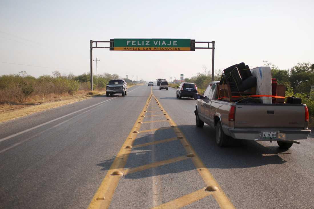 En vägskylt i mexikanska Tamaulipas, som drabbats hårt av kartellvåld, önskar trevlig resa. Arkivbild.