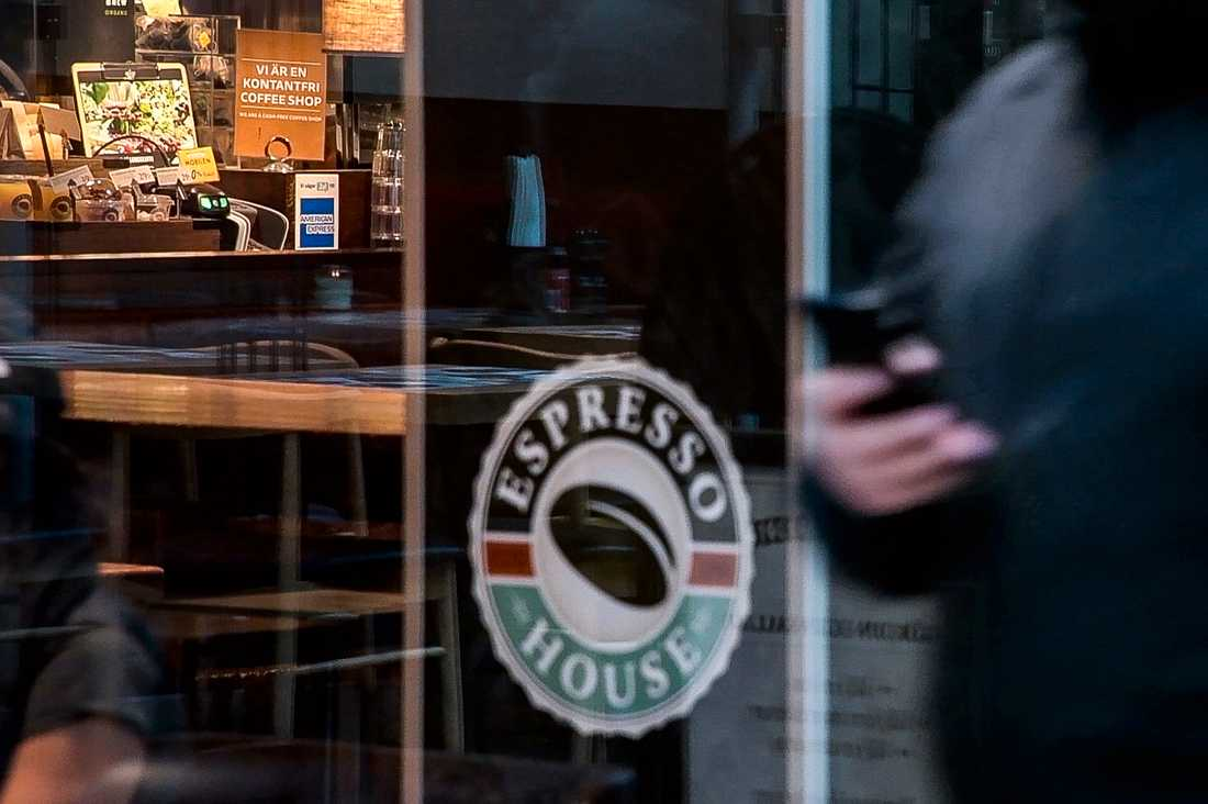 Polisens dömer ut kafékedjan Espresso houses brist på säkerhet i sin app.