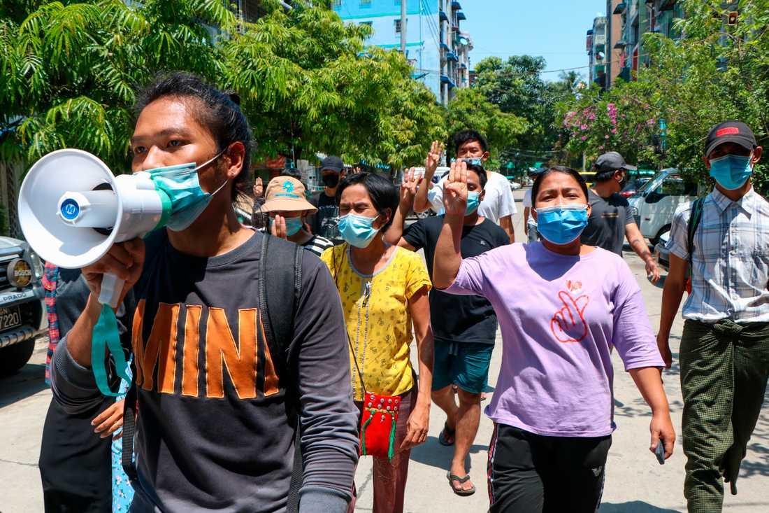 Protesterna, och det dödliga våldet, fortsätter i Myanmar.