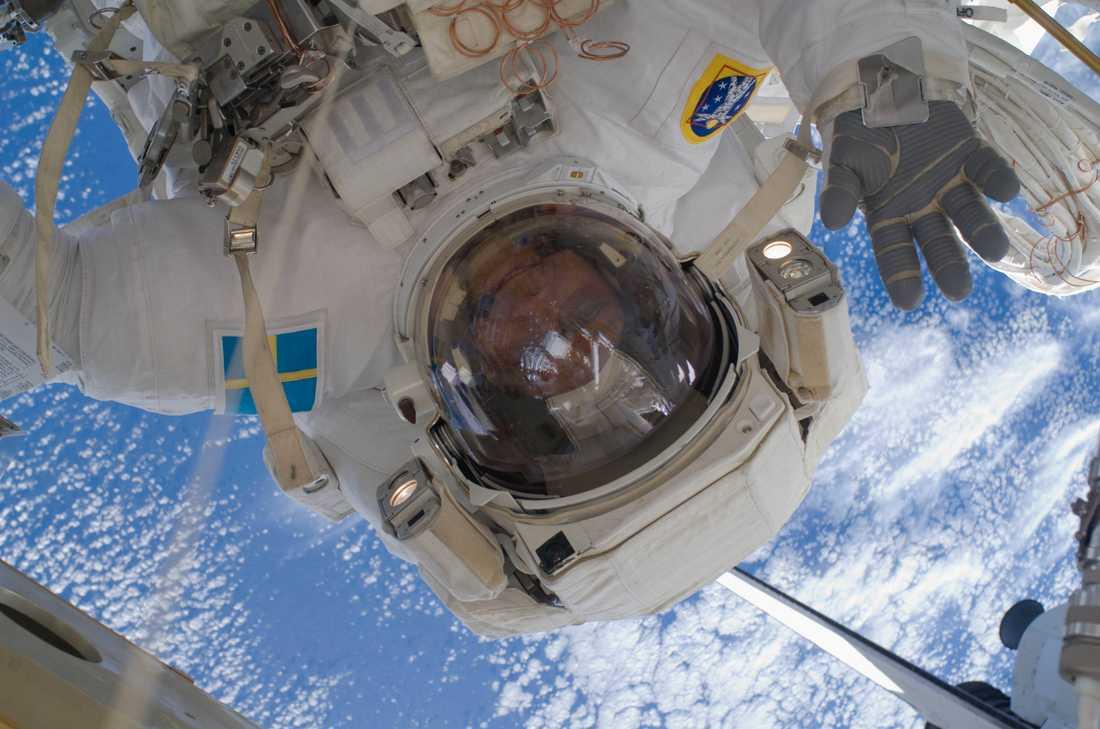 En bild många minns: Christer Fuglesang på rymduppdrag 2009.