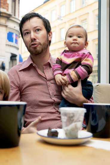 Pappalediga Pål Magnusson, 31, och Febe, 9 månader.