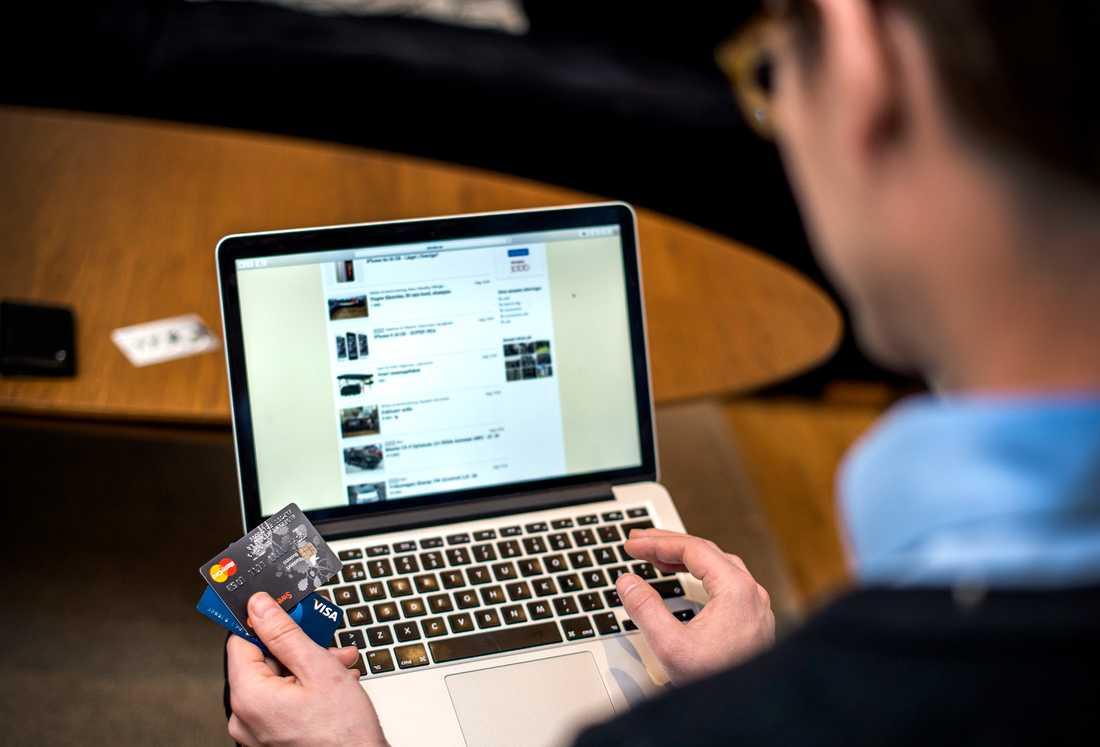 Vaksamhet mot erbjudanden på nätet är nyttigt, speciellt under Black Weed. Arkivbild.