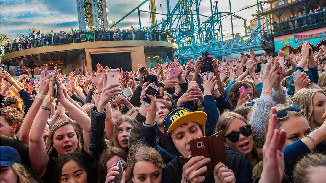 Den 1 juni släpptes 17 000 in på Gröna Lund för att se Zara Larsson.