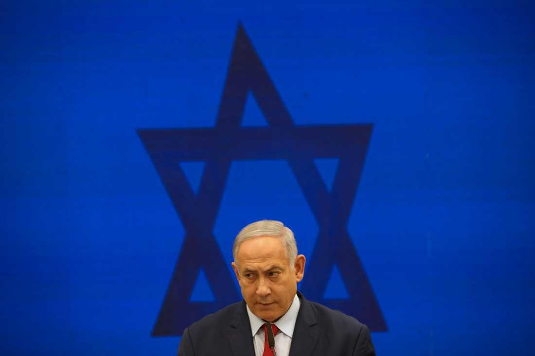 Israels premiärminister Benjamin Netanyahu tyngs av korruptionsåtalet mot honom – samtidigt som landet ser ut att gå mot ett tredje val på ett år. Arkivbild.