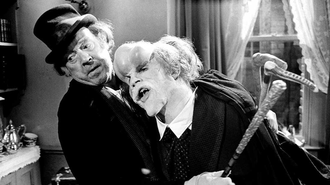 "Freddie Jones och John Hurt i filmen ""Elefantmannen""."