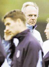 OWEN   SVENS VÄN Michael Owen ger Sven-Göran Eriksson mycket beröm inför dagens EM-kvalmatch mot Makedonien.  Från en spelares synvinkel finns det inte många bättre tränare i världen , säger anfallaren.