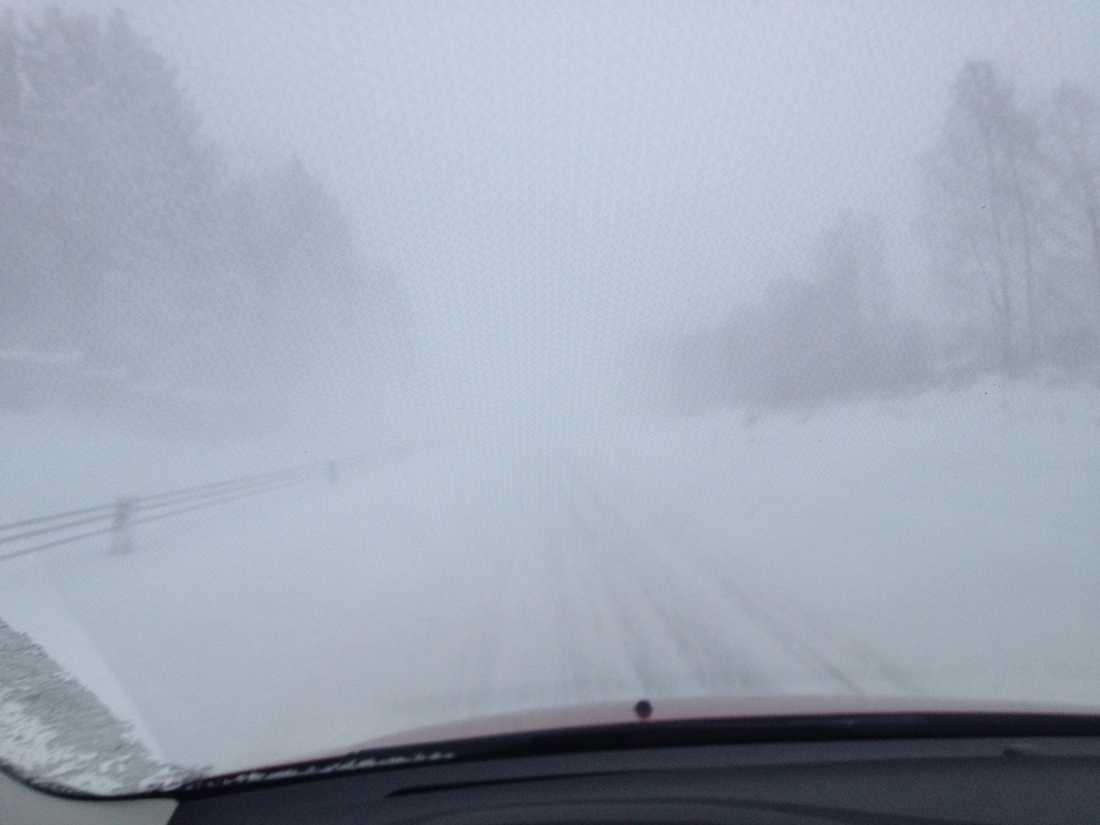 E4:an på väg mot Luleå flygplats.