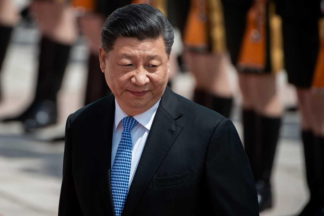 Med tiden har Kina haft allt svårare att dölja sina verkliga avsikter. Inte minst efter att president Xi Jinping dragit åt tumskruvarna rejäl på hemmaplan.