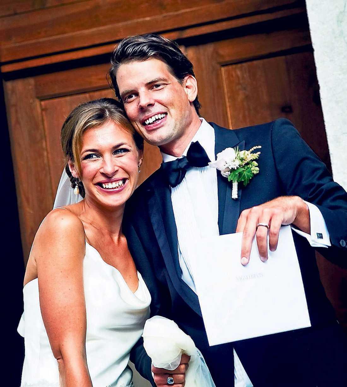 toknervös Alex Schulman skrev i sin krönika att han var galet nervös inför bröllopet. Läs krönikan nere till höger.