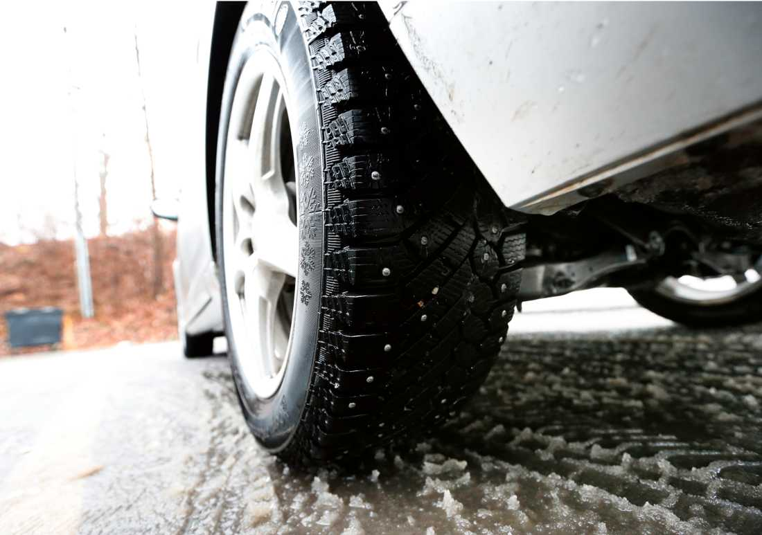 """""""Hög tid för vinterdäck"""", säger Trafikverkets presschef på Trafikverket."""