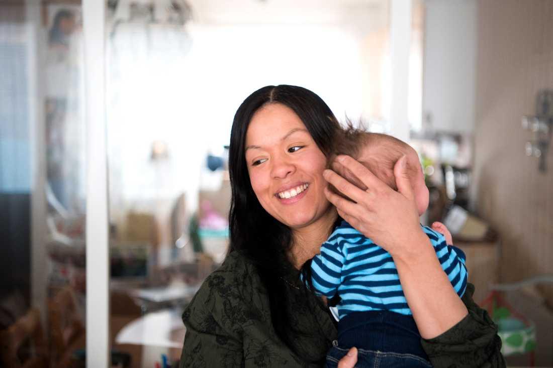 Som ensamstående mamma var det extra värdefullt för Maria Sundqvist att förlösas av en barnmorska som hon redan kände.