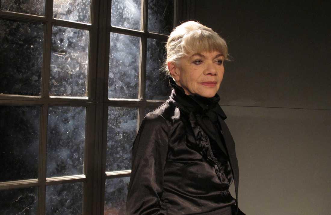 Iwa Boman som Victoria Benedictsson i Isjungfrun av Cecilia Sidenbladh på Strindbergs intima teater