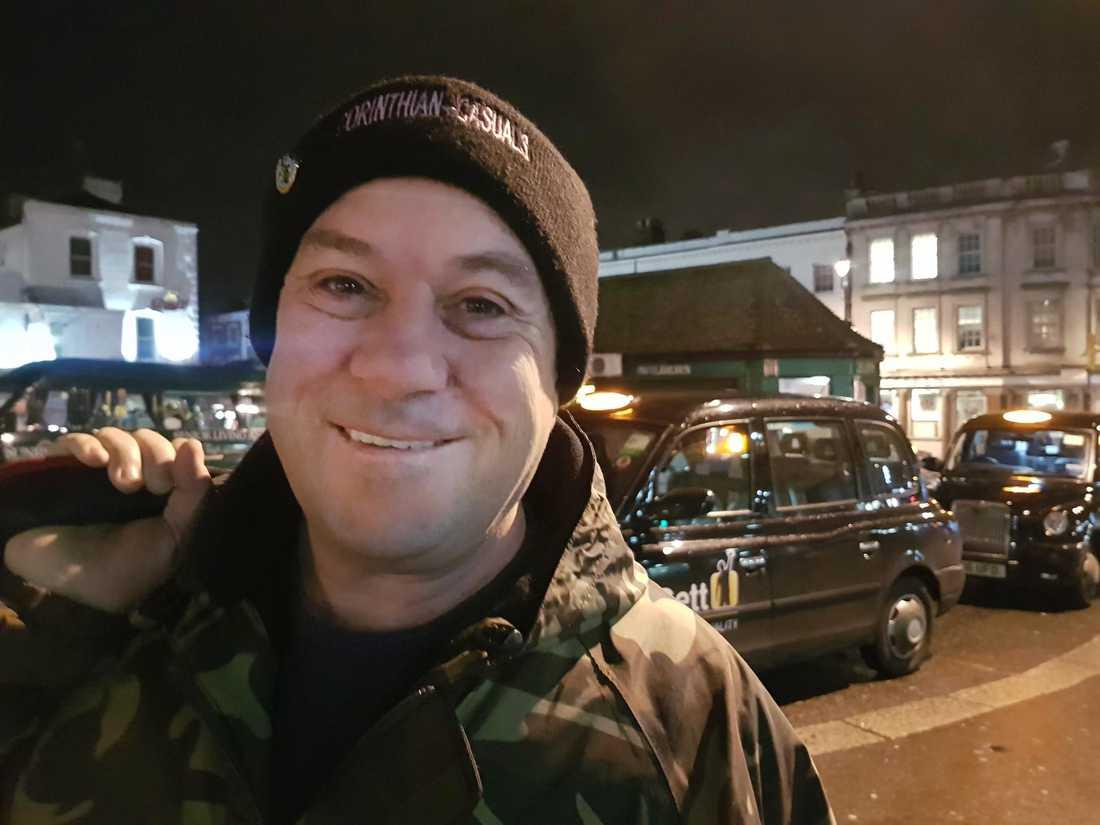 Dennis Deadman från Surbiton i sydvästra London strålar efter Boris Johnsons storseger.