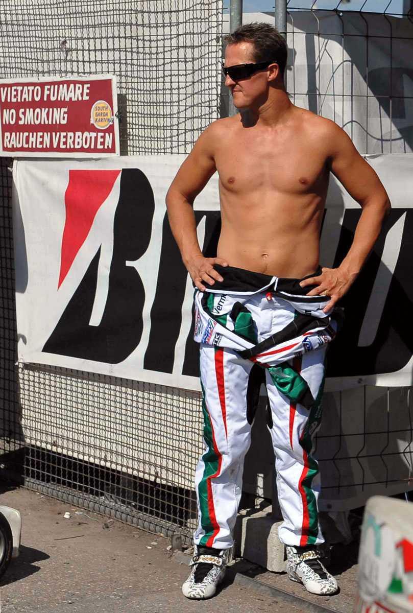 2009 Efter det avslutade Karting-loppet i Lonato, Italien, pustar han ut.